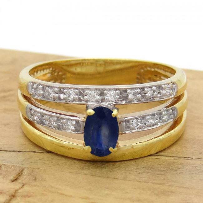 8493a4d7082d5 Meia Aliança 3 Aros com Safira e 14 Diamantes, em Ouro Amarelo 18 ...