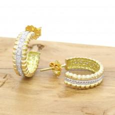 beb5a877fcb82 Par de Brincos Meia Argola com 16 Diamantes, Totalizando 16 Pontos, em Ouro  Amarelo